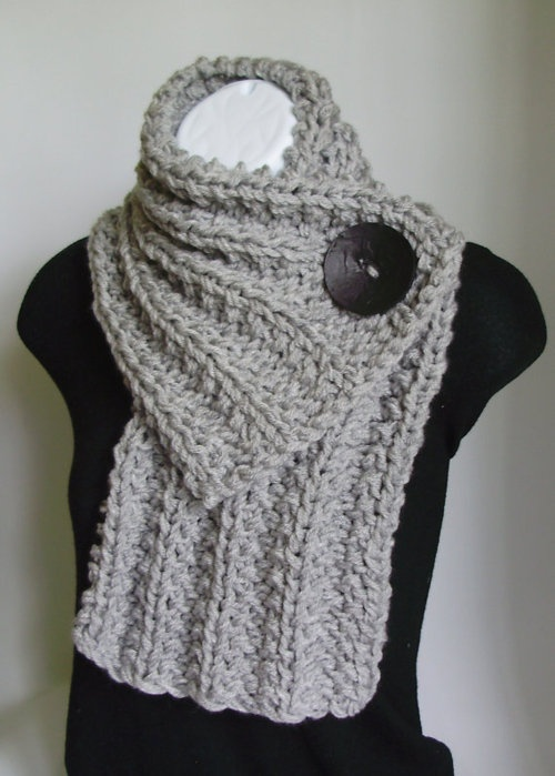 Knit grey chunky cowl; such a cute, short winter scarf.