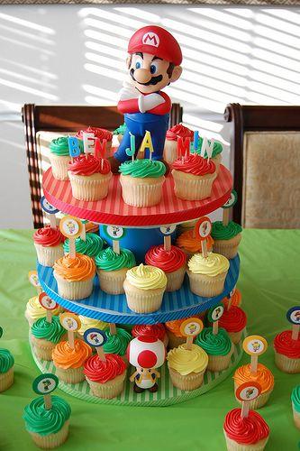 Super Mario Bros Birthday - Cupcake/cake.