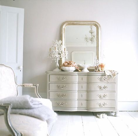 lovely vignette... via: in the fun lane.com