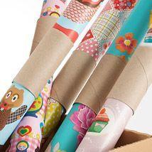 Die wohl einfachste (aber sehr effektvolle) Art Geschenkpapier aufzubewaren