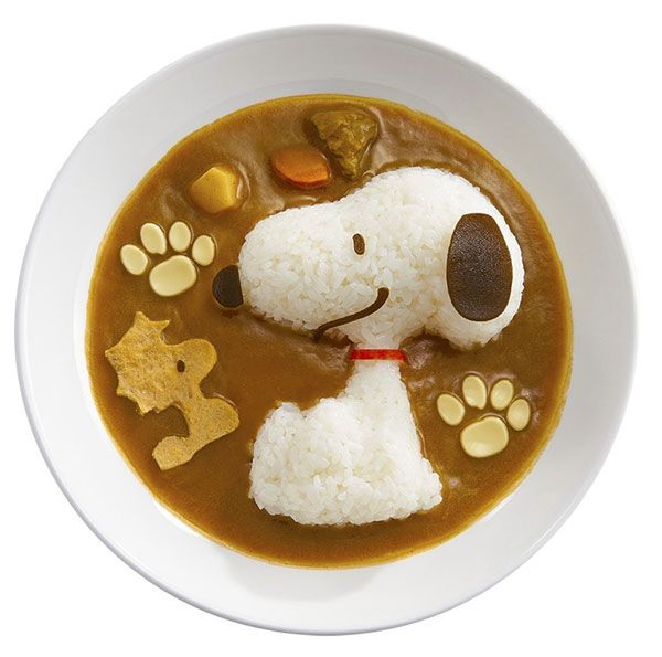 Snoopy. Wouldn't it be fun to try to create shapes of sticky rice in Little's soup?