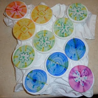 Sharpie Tie Dying using Sharpies and Rubbing Alcohol!!!!  FUN  even on canvas sneakers and purses!!!!!