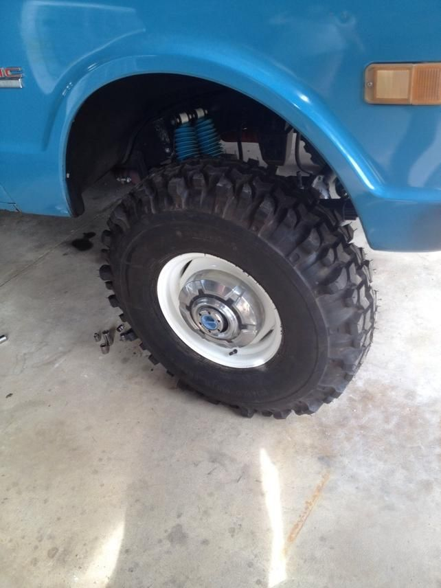 34 x 9.50 15 Super Swamper TSL on 15 x 6 steelies on this ...