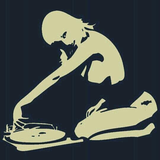 Girls with vinyl records. #djculture http://www.pinterest.com/TheHitman14/dj-culture-vinyl-fantasy/