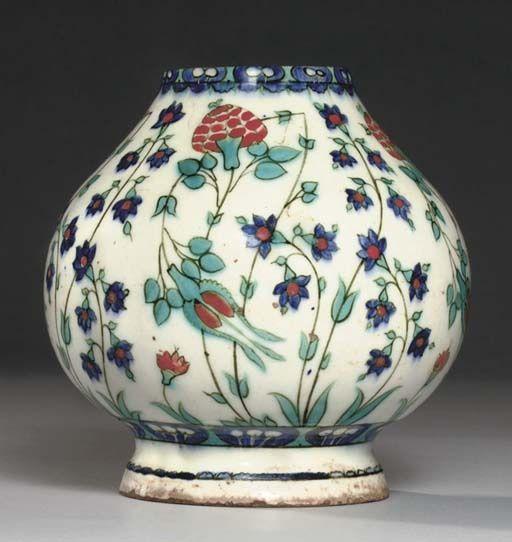 (80) vase; Ottoman dynasty; 16thC; Iznik | ÇİNİ | Pinterest