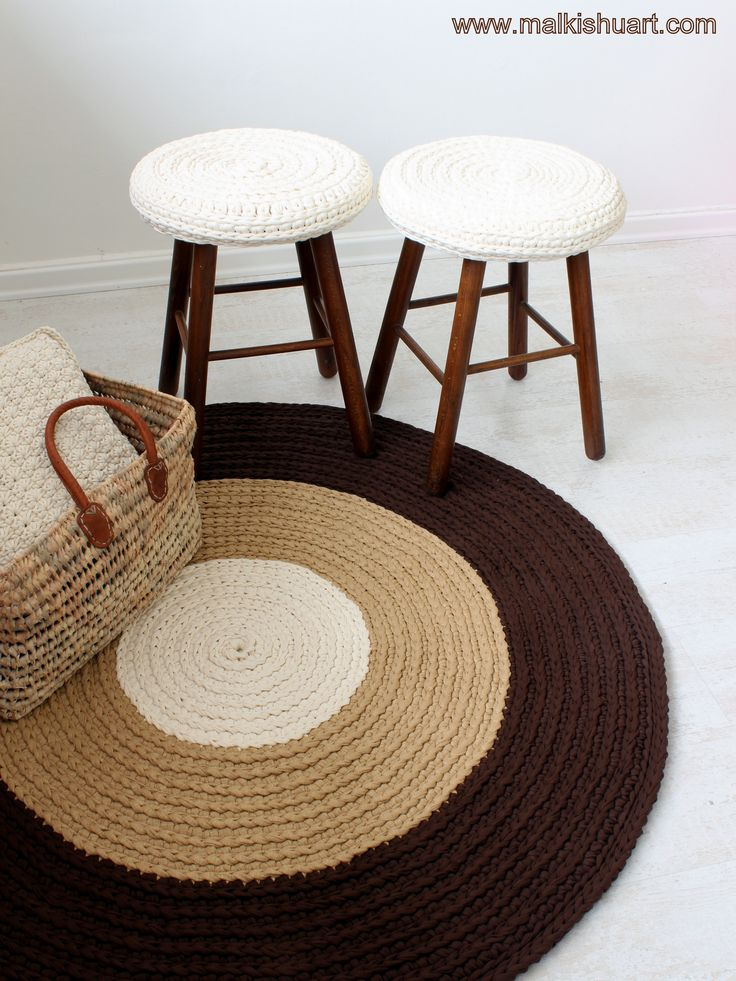 "How to avoid ""crochet holes"" when we crochet in a spiral method using T Shirt yarn 1. Use a ""short"" stitch – SC / HDC 2. After I crochet 3 rounds I crochet into each stitch loose but yet similar sl st. I crochet the rug and one of the stools using SC & another stool using HDC"