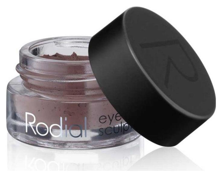 Rodial Eye Sculpt: Einmaliger Pigmentkomplex zum Definieren und Remodellieren der Augenpartie. Die flexible Formel ermöglicht eine vielseitige Anwendung. Ob natürliche Optimierung, intensive Definition oder langanhaltende Day-to-Night-Looks – Eye Sculpt perfektioniert jeden Hautton.