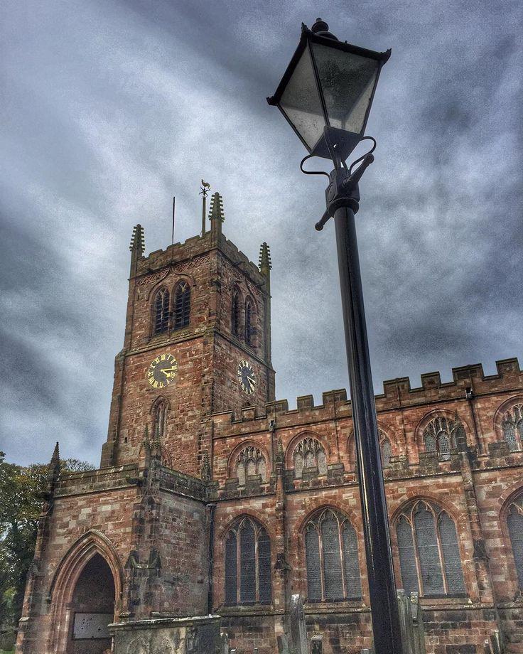 #eccleshall #church #religion #architecture #sky #lamp #lamppost #churchyard #graveyard #staffordshire #england #europe #britain #uk
