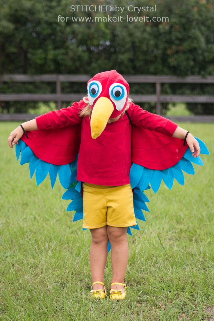 Sew an Easy Parrot Costume  perfect for Halloween or dress up     via Make It and Love It