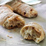 Nybagt brød - findes der noget bedre? Find inspiration til lækre og sunde brød her