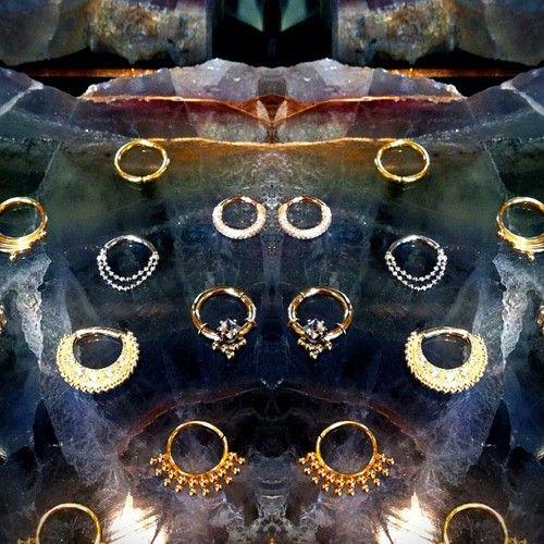 #braindrops#SF#sanfrancisco#bling#shiny#goldseptum#septumpiercing#nosepiercing#nose#septum#jewelry#gauge#gauges#piercing#piercings#bodypierc...