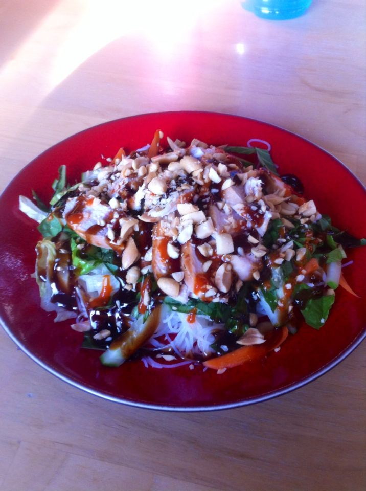Chicken and rice vermicelli salad