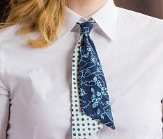 Dámská kravata origami s puntíky