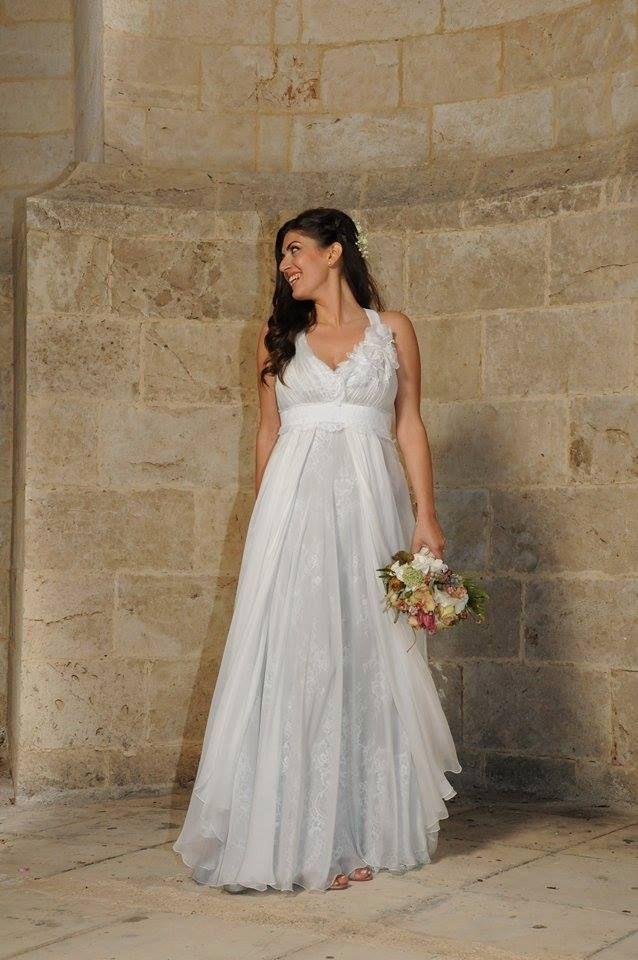 """Αέρινα νυφικά : """"d.sign by Dimitris Katselis"""" real bride . Αέρινο νυφικό από μεταξωτή μουσελίνα και γαλλική δαντέλα εσωτερικά."""