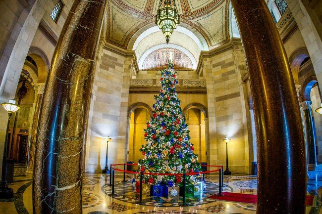 """Happy Holidays Los Angeles From L.A. Mayor - http://anythingla.com/happy-holidays-los-angeles-from-l-a-mayor/ - [caption id=""""attachment_9125"""" align=""""aligncenter"""" width=""""650""""] This gorgeous photo is the property of L.A. Mayor Eric Garcetti[/caption] L.A. Mayor, Eric Garcetti wishes Angelenos of ALL cultural backgrounds Happy Holidays: Merry Christmas: """"Everywhere in our City of Angels — whether exchanging presents and singing carols, making tamales and sipping eggnog, goi"""