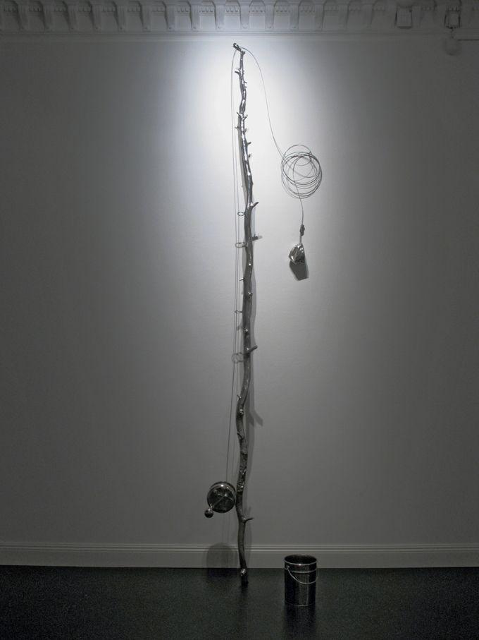Pearl Fisher, 2005 by Pekka Jylhä. Stainless steel, metal wire, 330x70x60 cm, 17600€. Inquiries: sari.seitovirta@seitsemanvirtaa.com / GALERIE SEITSEMÄN VIRTAA.