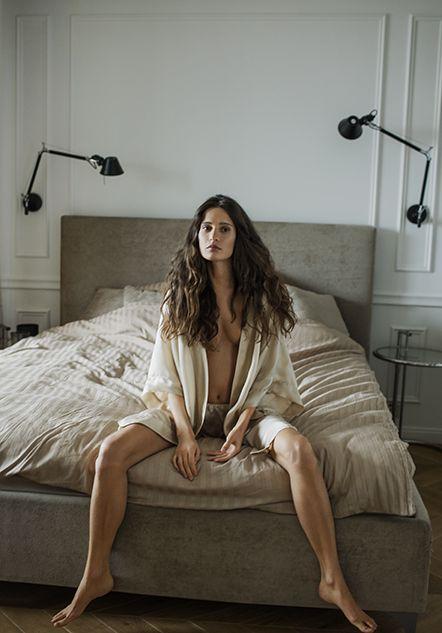 Daybreak - Campaigns  #moye #moyestore #satin #cupro #homewear #sleepwear #leisurewear #loungewear #premiumbrand #sonieszostak #photographsbysoniaszostak