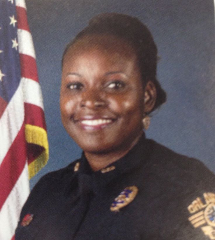 Rest In Peace Sgt Debra Clayton of @OrlandoPolice who was shot & killed in LOD. Please RT & show your support #BlueLivesMatter