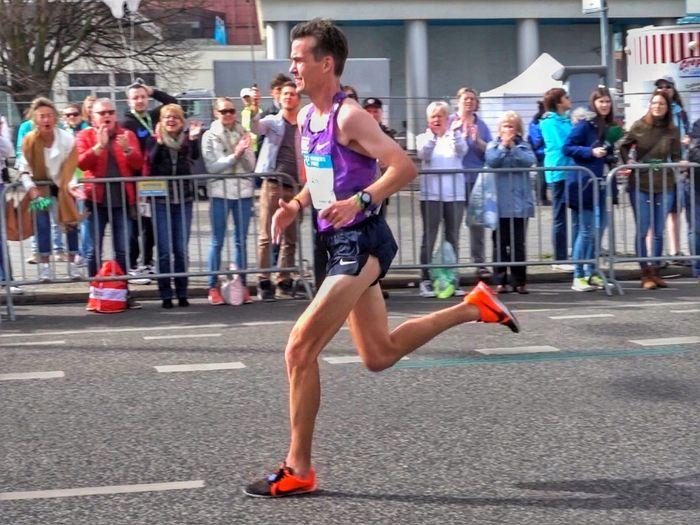 Arne Gabius und Hendrik Pfeiffer bei ihrem Comeback auf der Marathonstrecke. Wir stellen euch den Marathon Hannover vor.