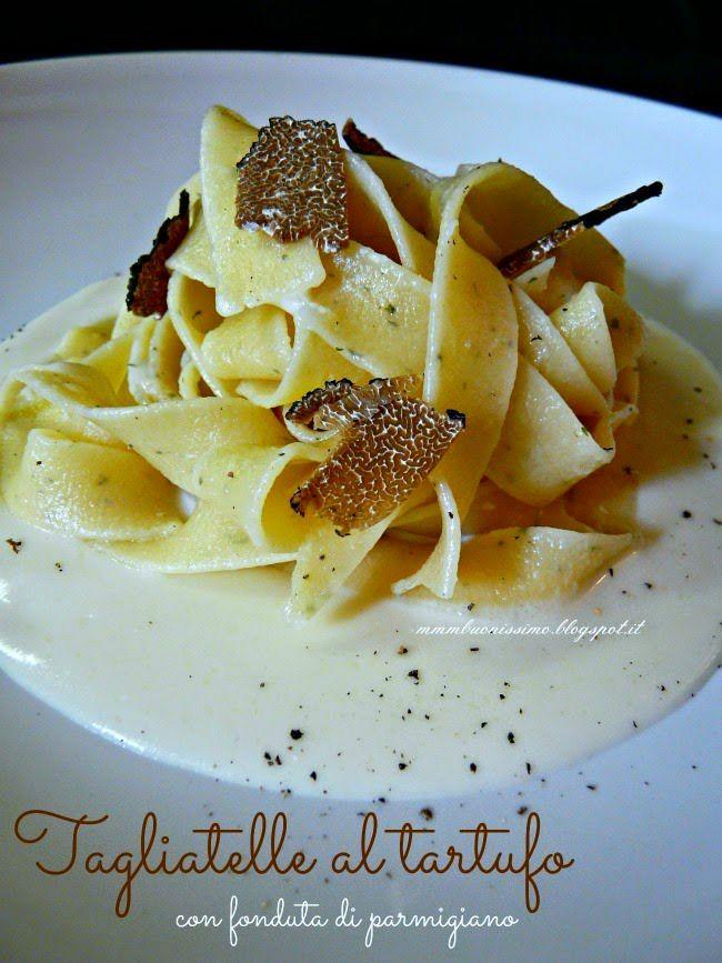 Tagliatelle al tartufo con fonduta di Parmigiano Reggiano 36 mesi , questa è la mia ricetta come contributor per la Giornata Nazionale d...