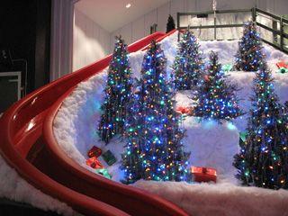 Castle Noel, Medina Ohio...museum of favorite Christmas movies!!!!  http://medinagazette.northcoastnow.com/files/2013/11/WEBSlide.jpg