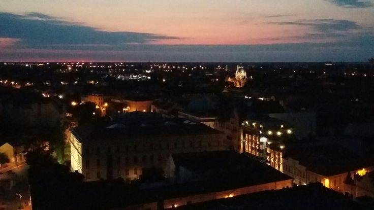 Szeged kora esti fényekben