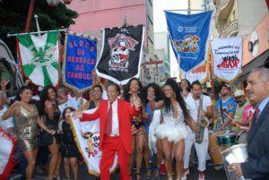 Grito de Carnaval reúne 13 bandas e blocos na Rua Treze de Maio