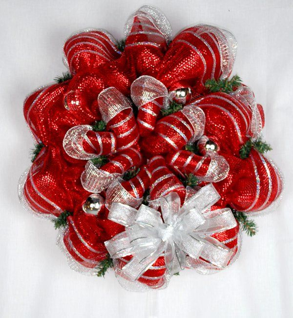How to make a mesh Christmas wreath ideas red white