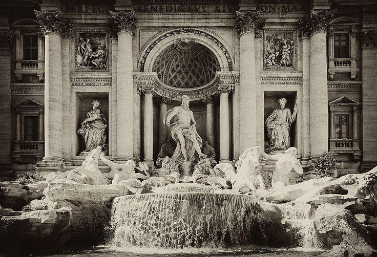 File:Fontana de Trevi monochrome.jpg - Wikimedia Commons