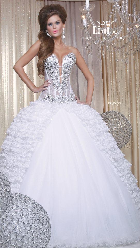 Liana haute couture mailto info liana for Haute couture price range