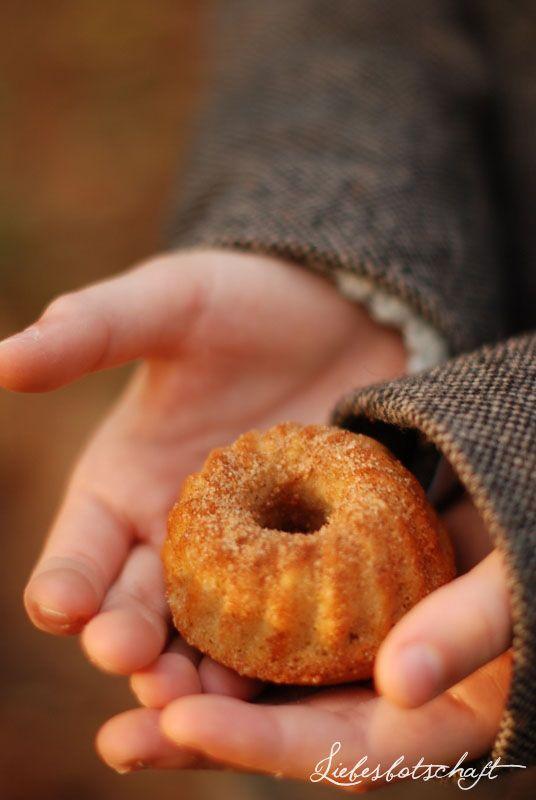 Liebesbotschaft: 3 x Zimt-Apfelküchlein