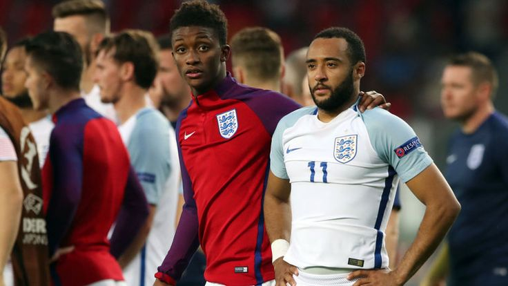 All England's U21 players feel for Nathan Redmond (right), says Demarai Gray