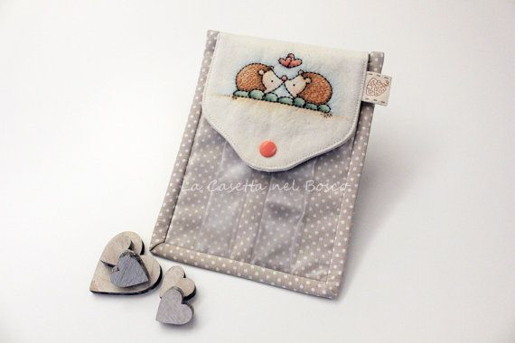 Two Little Hedgehogs  Handmade seethrough di LaCasettaNelBosco, €32.99