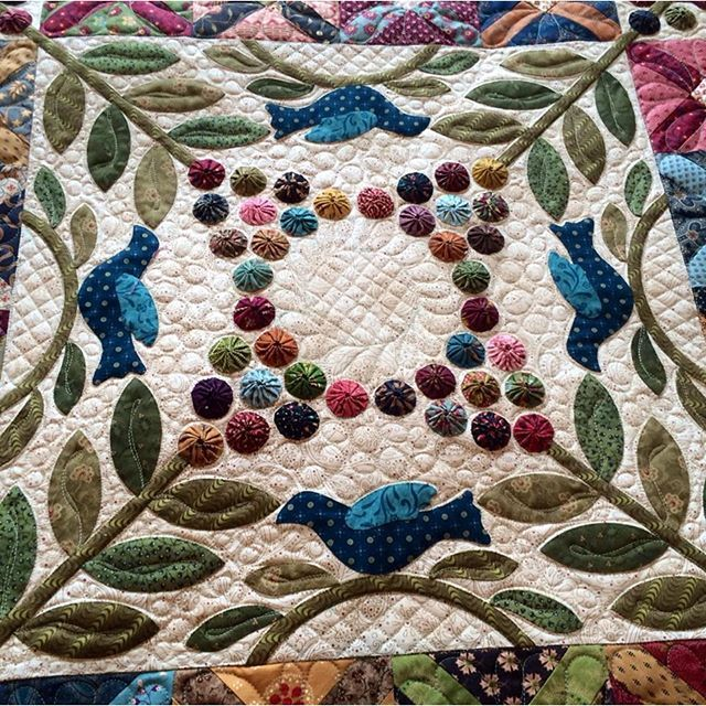 364 best Quilts - Applique images on Pinterest | Appliques, Quilt ... : shadowed daisy quilt pattern free - Adamdwight.com