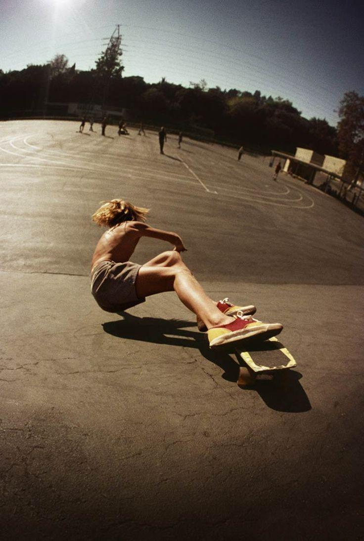 Le skateboard des années 70 documenté par le photographe Hugh Holland (image)