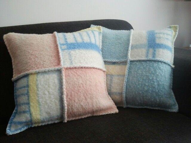 Kussens gemaakt van oude wollen dekens. (vintage blanket, wool)