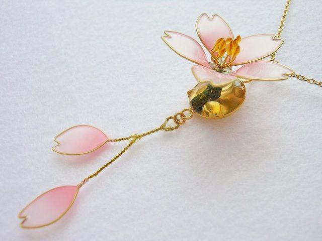 【ディップアート】ふわり春咲く 桜ネックレス