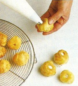 How to Make Croquembouche: Step-by-Step with Pictures and Videos