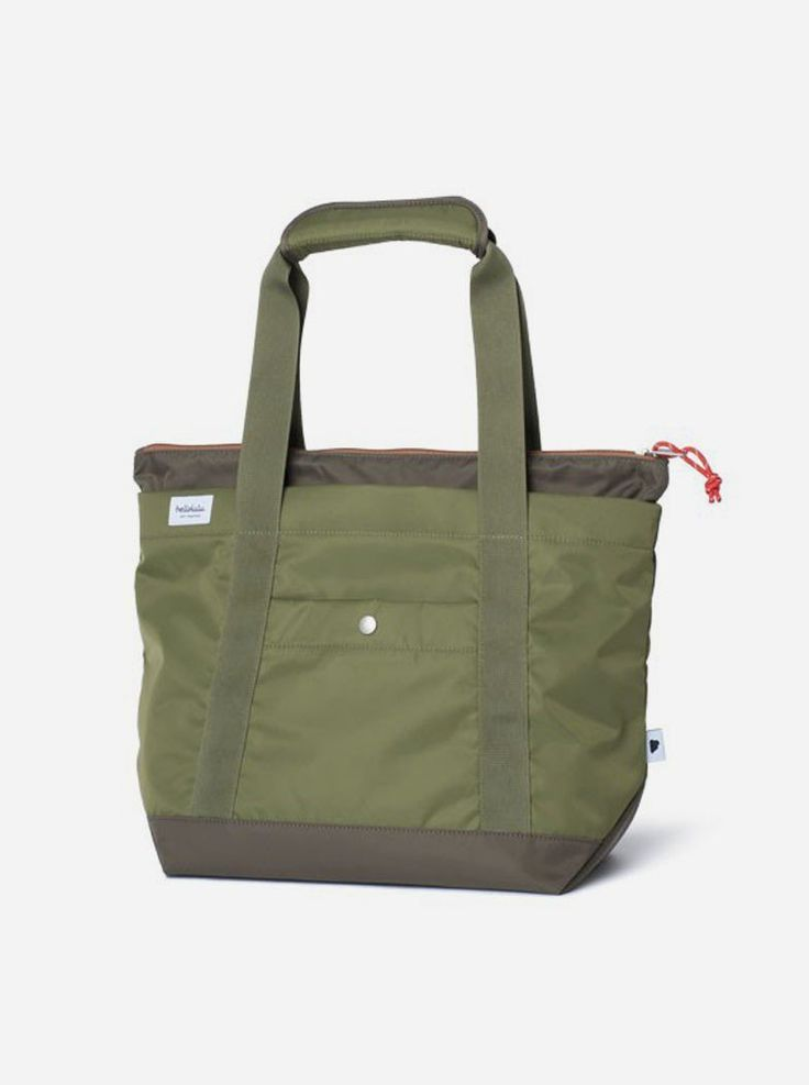 "Finn 13"" All Day Tote Bag Small. Going for a more classic and practical design, the tote bag style finn should serve you best. Tote bag with green olive color, will be your perfect mate for carrying your thing, this classic bag sure is hype. http://zocko.it/LEZHV"
