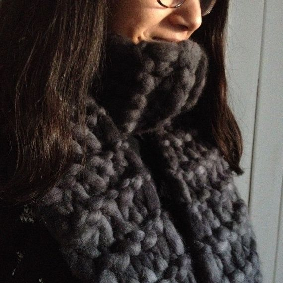 Big Knitted Scarf by deorigenchile on Etsy