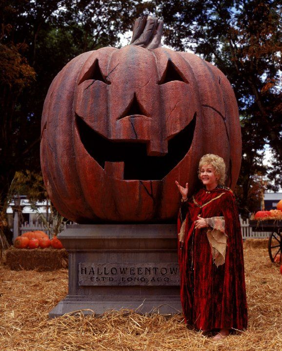 Debbie Reynolds in Halloweentown (1998) This is how I will always remember Debbie Reynolds from my childhood!!!