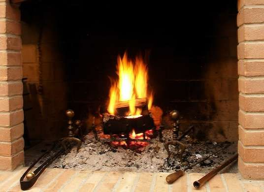 how to clean ashes out of fireplace