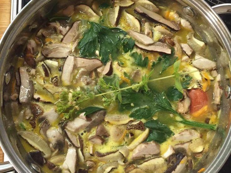 Sil inspiration, summer cooking, potato soups with mushrooms... #siluetyogawear #madewithloveforyou #besiluet #mysiluet