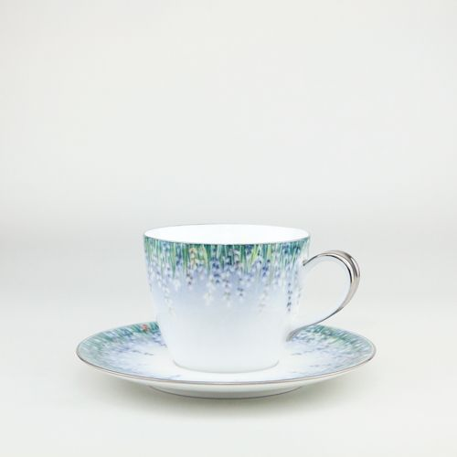 Lalala Platine,  Tea / Coffee cup 220ml handthrown from the purest white Jingdezhen Porcelain then handpainted by our team of artists  then gilded in the finest platinum  #Teacup #coffeecup  by Spherebol