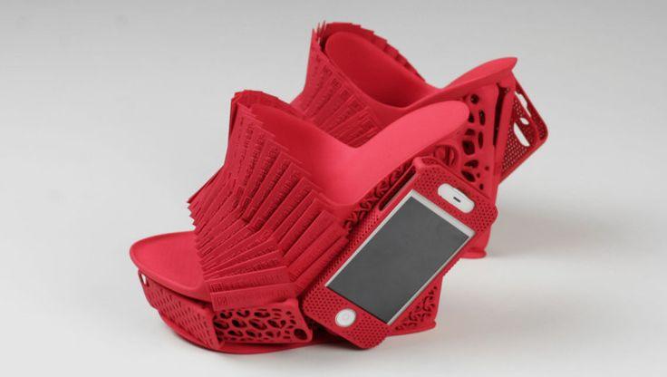 這個由Freedom of Creation製作的3D印鞋連iPhone機套曾於2012年在米蘭設計週展覽,為iPhone提供另類儲存方法。