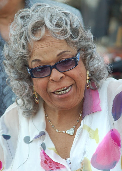 """Della Reese! I'm TOTES going to have a picture where I look just like that when I'm 80. I have the feeling I'll start every sentence with """"chiiiile"""" or """"guurrrl...""""  I think Della just growled """"guuurl."""""""