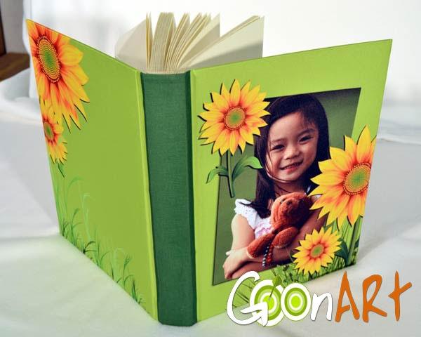 Gli album in tessuto personalizzati di Goonart.it diventeranno un coloratissimo raccoglitore dei tuoi ricordi grazie alle tue foto stampate in copertina e alle grafiche perfette per ogni occasione!