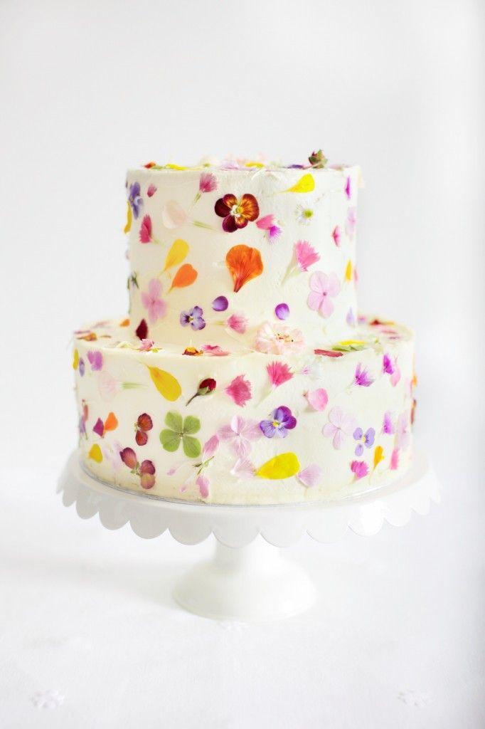 We Love // Gillian Bell Cakes [gillianbellcake.com.au] ~ #vintagebride #vintagewedding #vintagebridemagazine