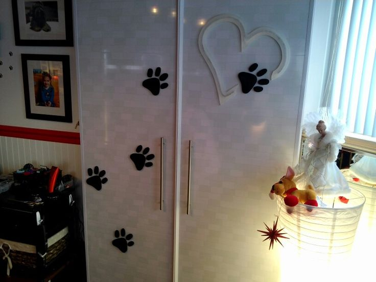 Plexi-glass heart  that i' made for my wife's grooming salon!  :-)