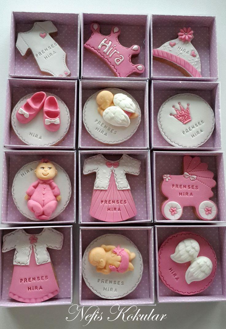 Demet Akalın &Hira bebek için hoşgeldin bebek kurabiyeleri